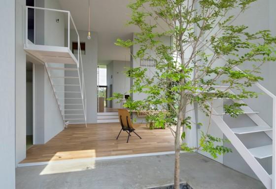 Design d'intérieur à la maison avec plafond haut