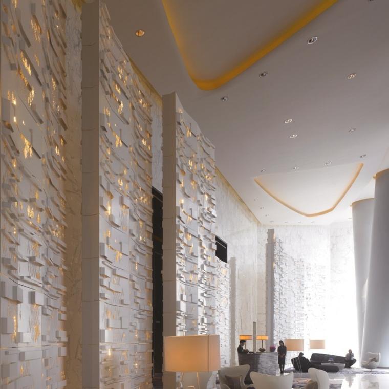 salon murs décorés