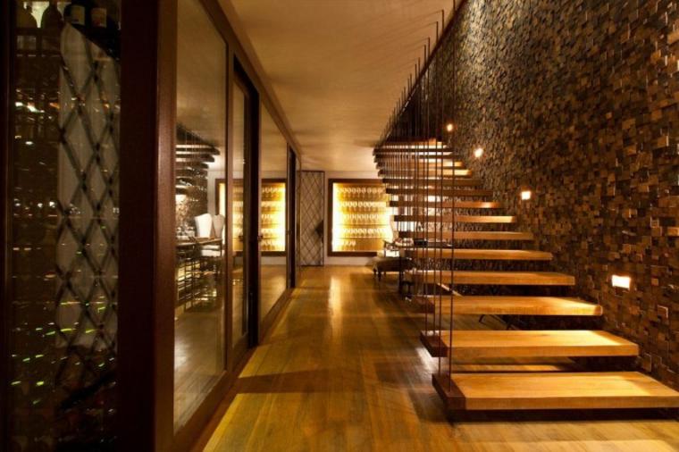 murs décorés d'escalier