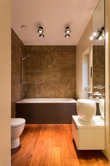 Décor de salle de bain modéré