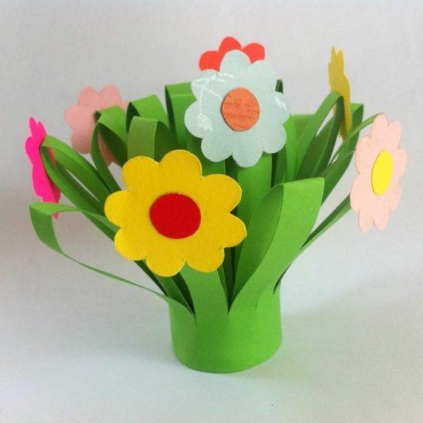 Meilleurs cadeaux pour la fête des mères avec des fleurs en papier cartonné