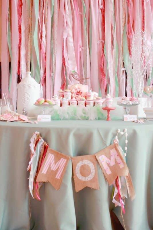 Meilleures idées pour décorer la maison sur la table sucrée de la fête des mères