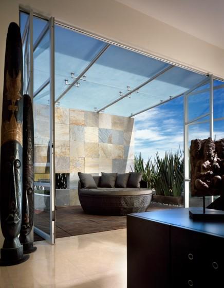 Beau design de terrasse avec couverture transparente