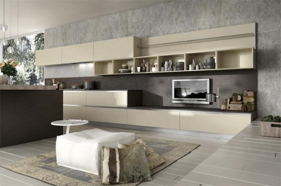 Le grand meuble de cuisine s'intègre dans le salon