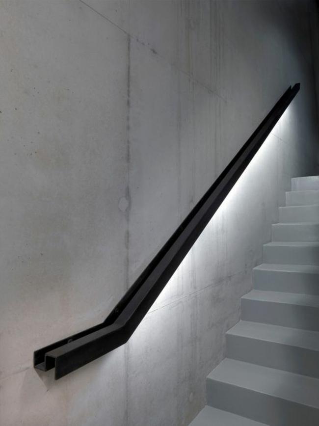 balustrades en métal lumières LED salons