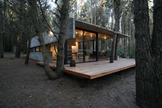 Conception de petite maison en béton et en bois