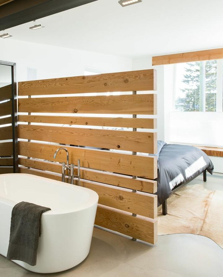 lignes de panneaux de bois de diviseurs de pièce
