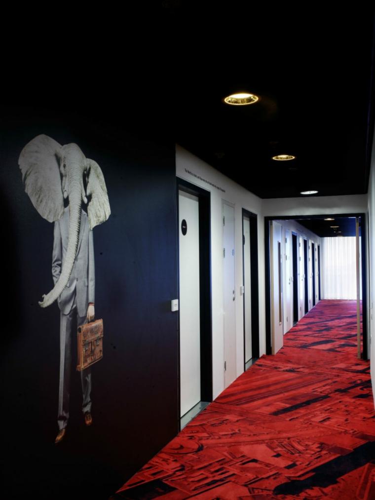effet dramatique de décoration de couloir