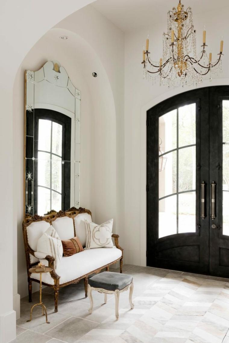 décoration de couloir de meubles vintage