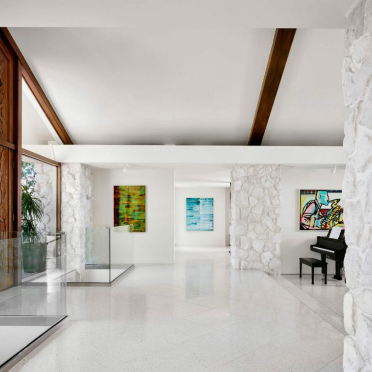 couloir de style luxueux couleur blanche