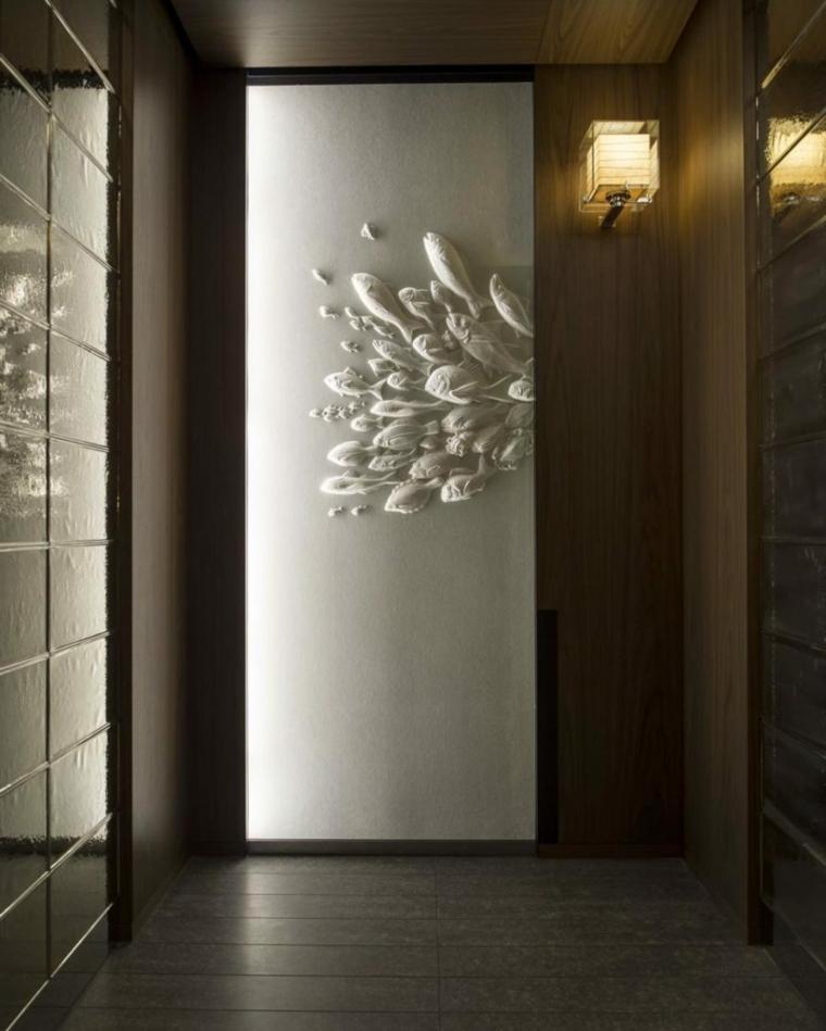 décoration couloir de mur de poisson en relief