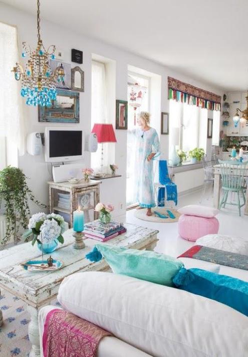 18 chambre bohème blanche et colorée