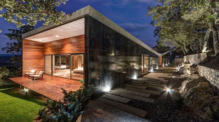maison charme entrée portes en bois idées
