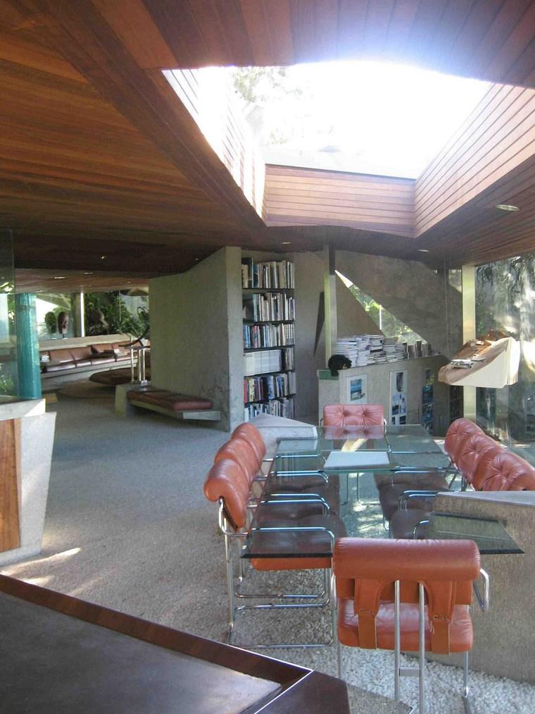 grande table chaises en verre idées de maison en cuir