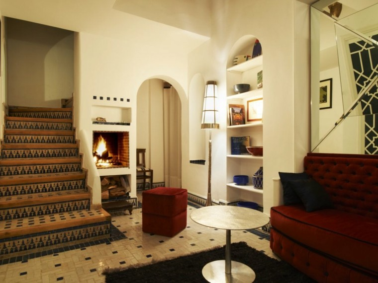 cheminée mosaïque idée typique maraqui mur blanc