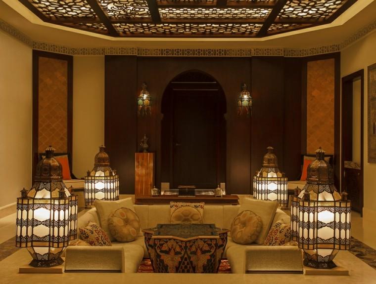 grandes lanternes illuminent l'idée de salon de style marocain intéressant