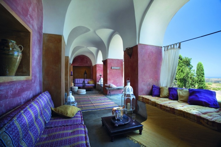 idées de lanternes de table basse de salon violet maroc