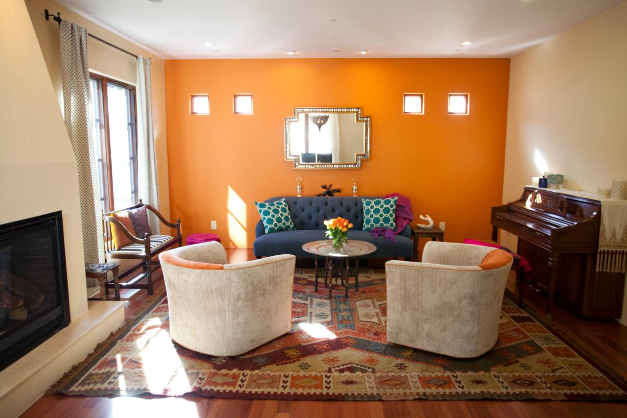 Maroc tapis mural orange bleu canapé piano