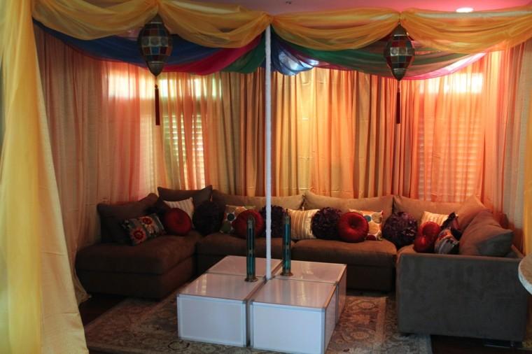 Tissus De Salon Marocain Accrocher Des Coussins De Plafond Idées Couleurs