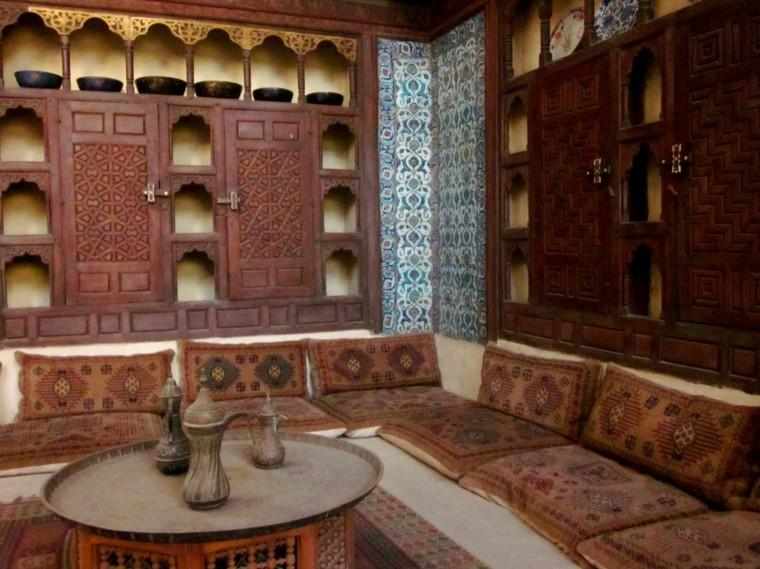 portes en bois maroqui originales fenêtres antiques