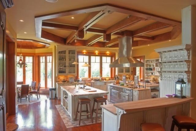 Idées artistiques cuisine design plafond bois