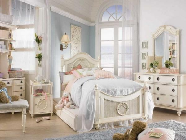 belle chambre d'enfants bleue