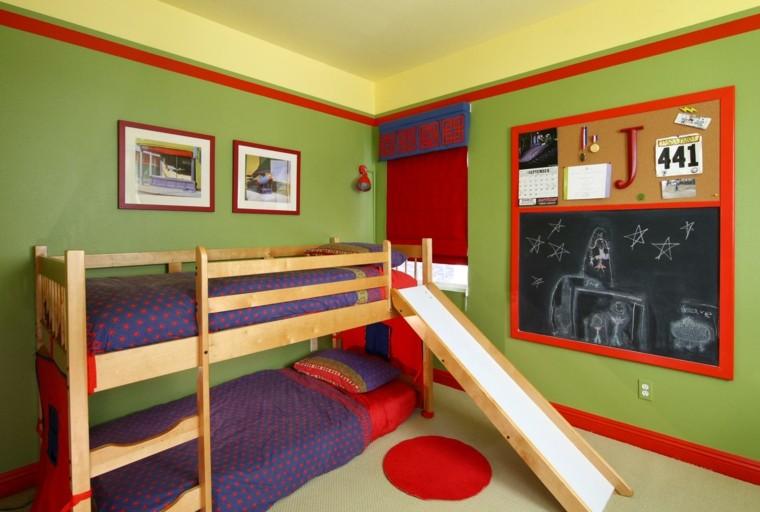 lits superposés de chambre d'enfant vert citron