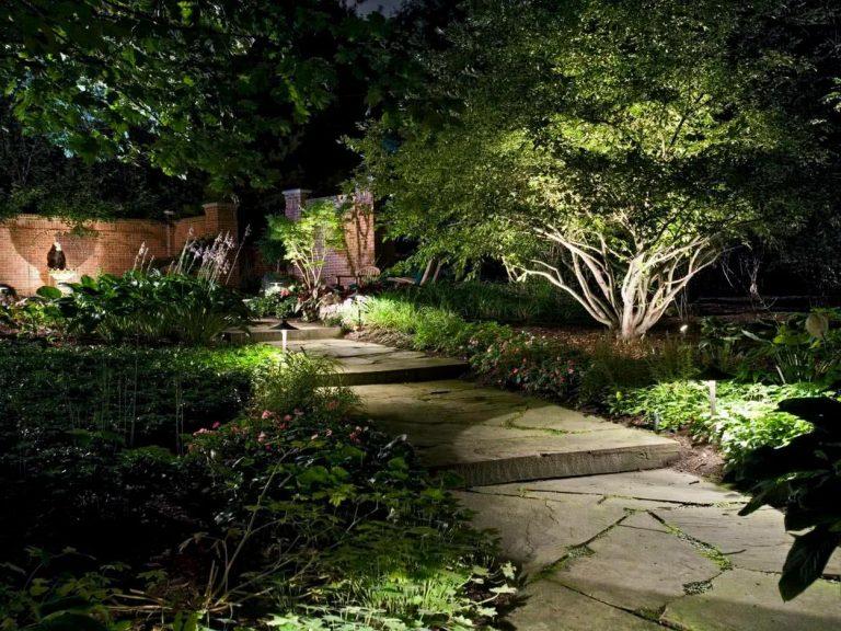 éclairage dans le jardin