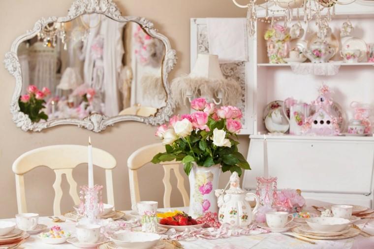 Objets de roses de table de style minable