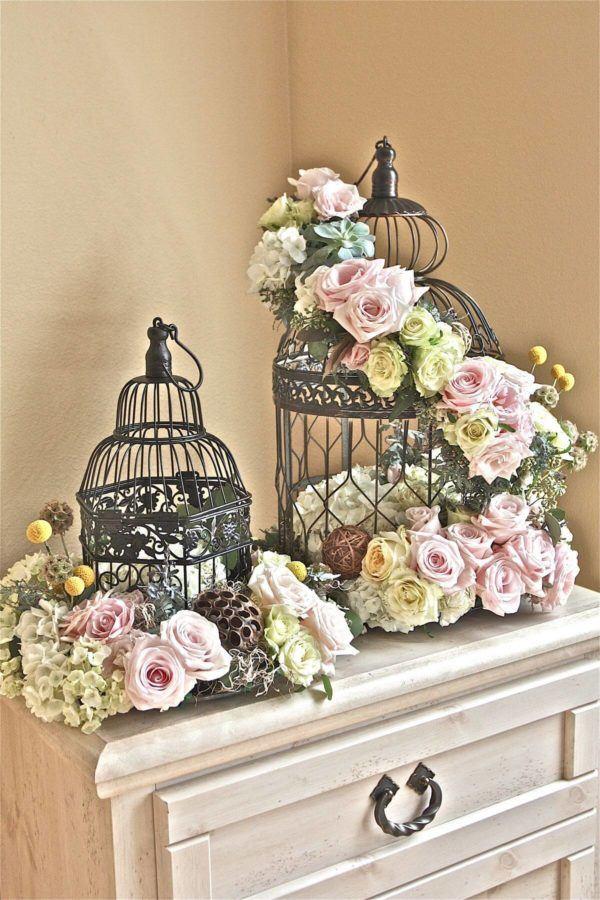 Comment faire un arrangement floral avec une cage de centre de table PHOTOS