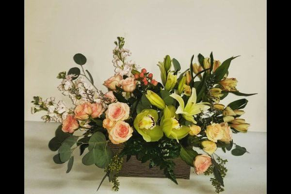 comment-faire-un-arrangement-floral-roses-vert-instagram