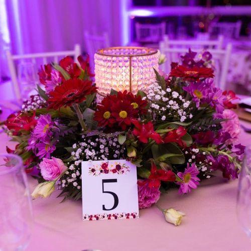 comment-faire-un-arrangement-fleur-centre-de-table-fleurs-table-d-invité-instagram