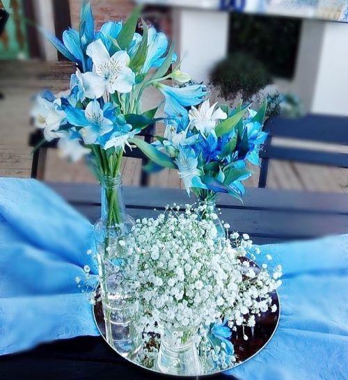 comment-faire-un-arrangement-fleur-centre-de-table-fleurs-bleues-instagram