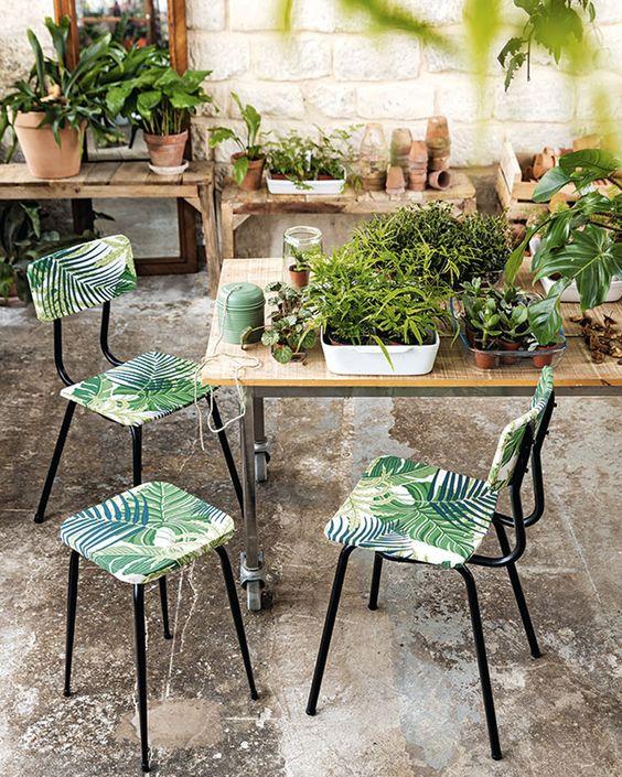 Chaises de jardin de découpage