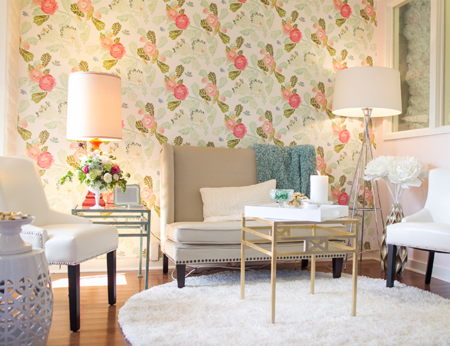 Bureau de papier peint fleuri