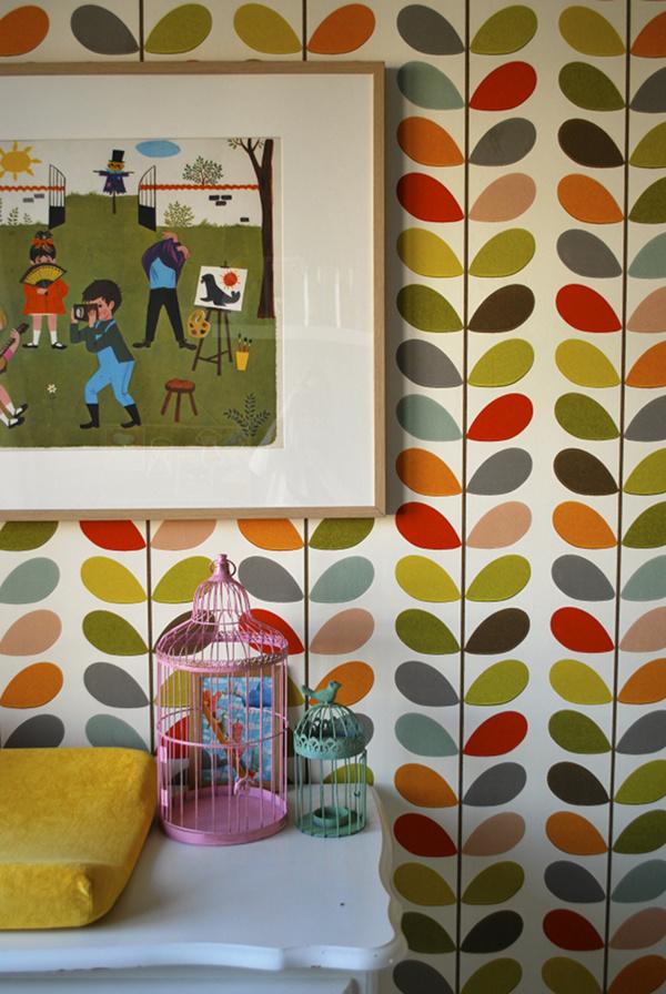 Conception de papier peint coloré Orla Kiely
