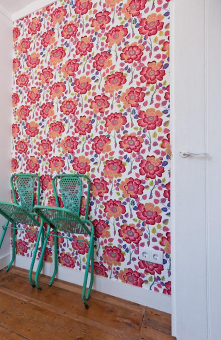 Papier peint à fleurs orange rouge