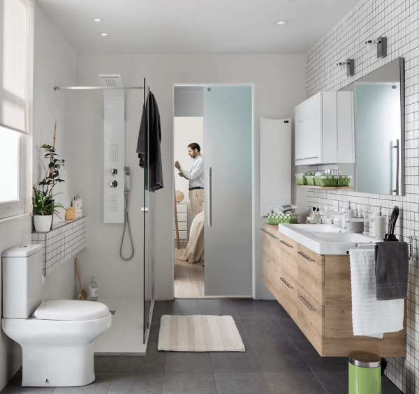15 petites salles de bain avec douche 2021 2022 LEROY MERLIN salle de bain blanche avec bois