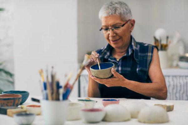 Les meilleures idées d'artisanat en céramique pour les personnes âgées