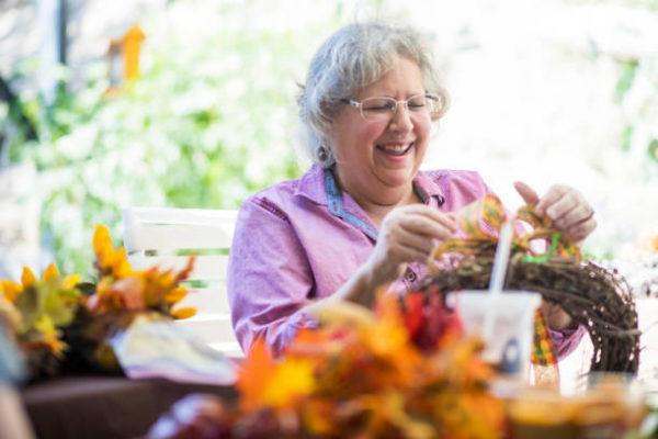 Meilleures idées d'artisanat pour la couronne des personnes âgées
