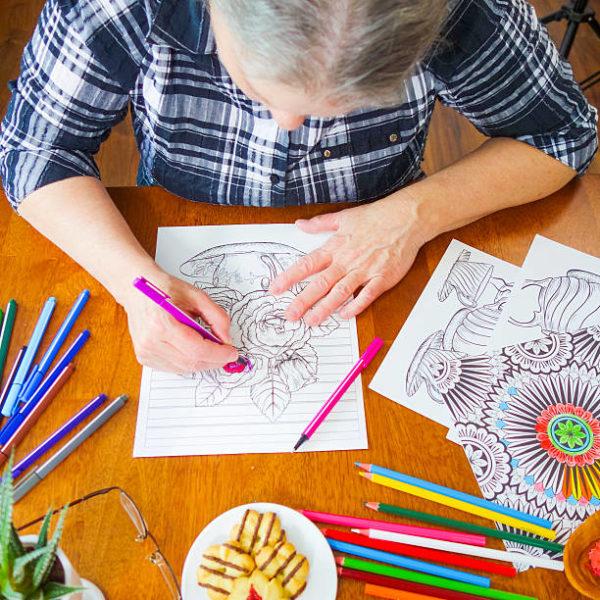 Les meilleures idées d'artisanat pour le dessin de mandalas pour personnes âgées