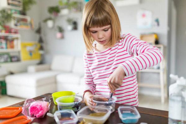 Comment faire du slime maison étape par étape pour les enfants 2