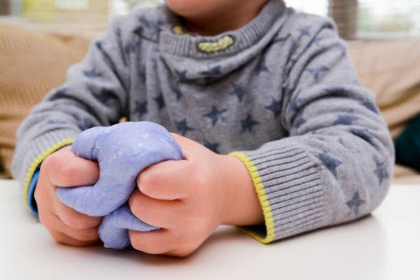 Comment faire du slime maison étape par étape pour les enfants 11
