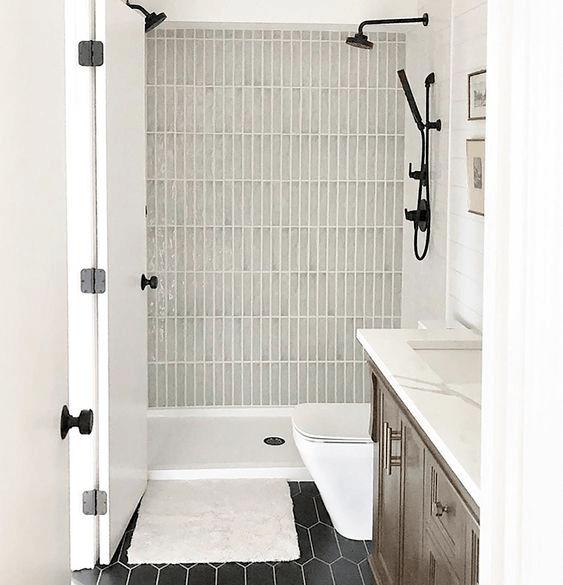 15 petites salles de bain avec douche 2021 2022 mur