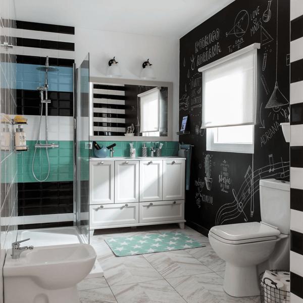 15 petites salles de bain avec douche 2021 2022 LEROY MERLIN salle de bain noir blanc