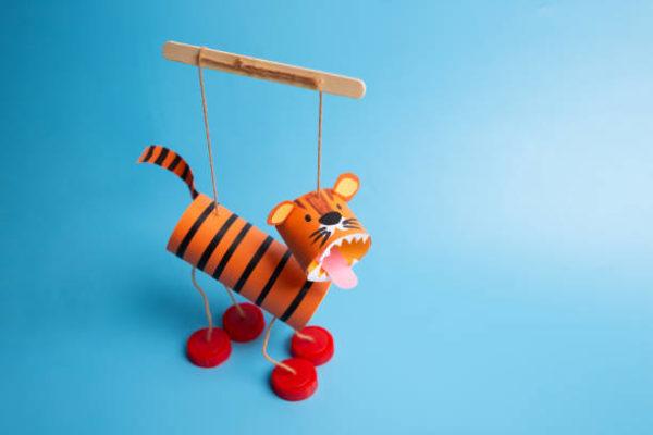 Jouets recyclés de marionnettes