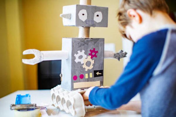 Robots jouets recyclés