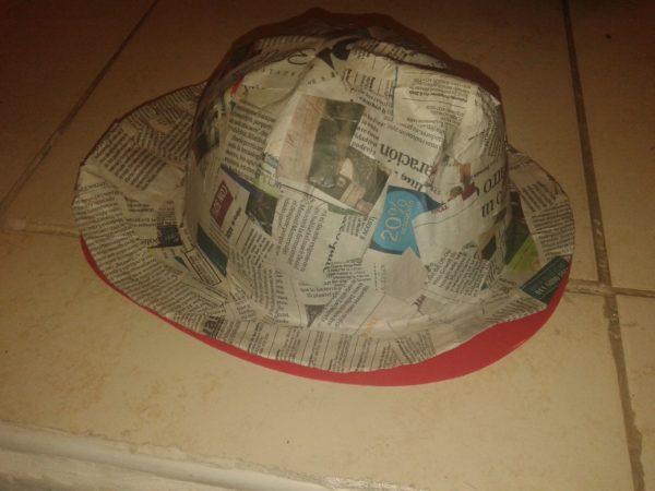 Idées d'artisanat de chapeau de journal
