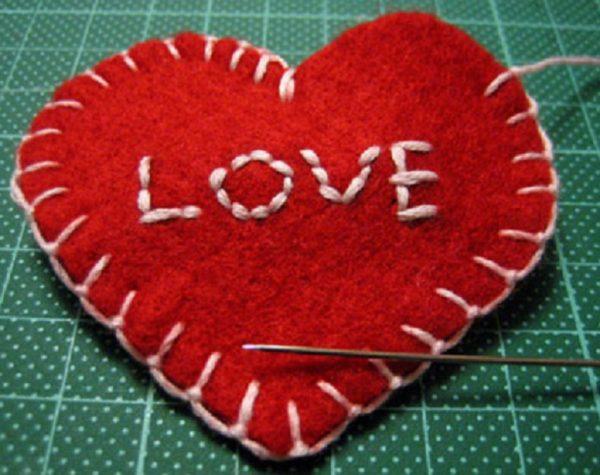 Artisanat avec du feutre pour se faire coeur