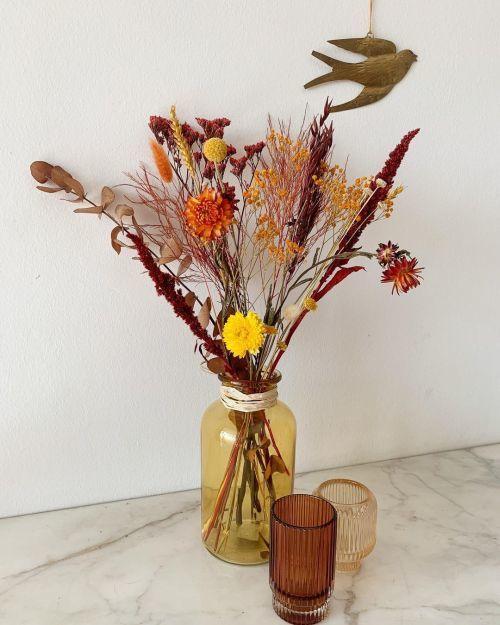 Vase à fleurs séchées avec verres en or et cuivre